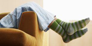 5 Manfaat Kaos Kaki Saat Tidur