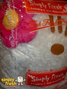 8 Cara Mudah Bersihkan Boneka Kesayangan