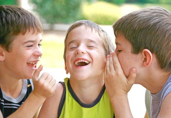 5 Manfaat Menjadi Pendengar