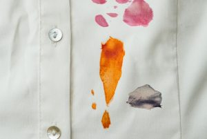Tips Bersihkan 10 Noda Pakaian