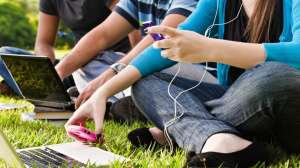 5 Kebiasaan Sehat Untuk Para Generasi Online