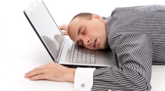 Tips Menghadapi Rekan Kerja Pemalas