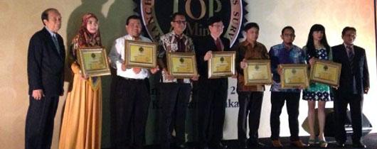 Simply Fresh Laundry Meraih Penghargaan Franchise Top Of Mind 2014