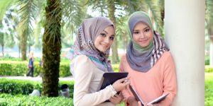 4 Tips Model Baju Untuk Wanita Berhijab