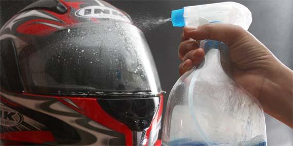 Tips Mencuci Helm yang Baik dan Benar